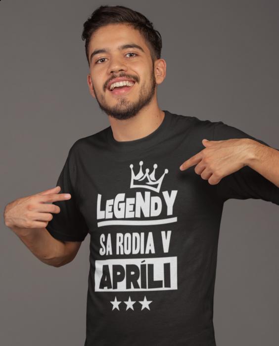 Smiešne tričko legendy sa rodia v (mesiac podľa želania)
